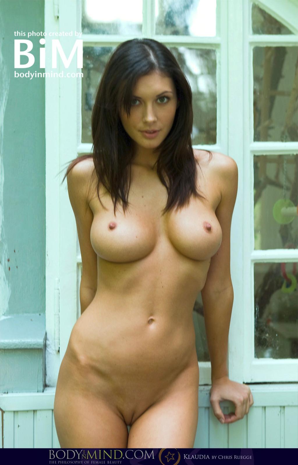 Фото голых девушек фото
