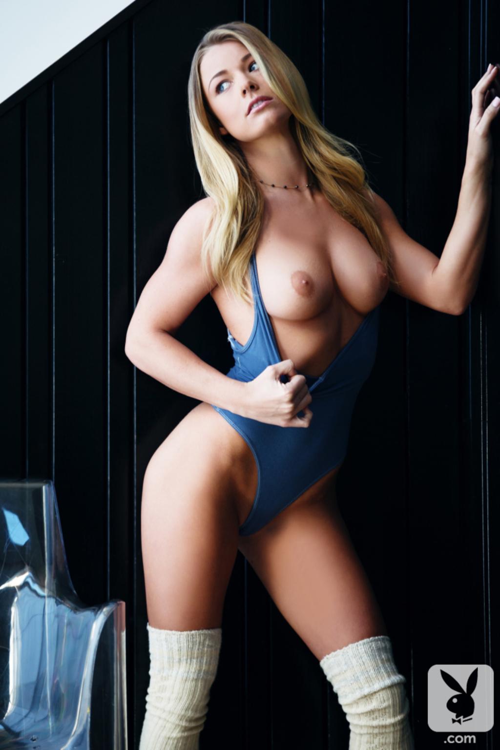 blondinki-golie-solo