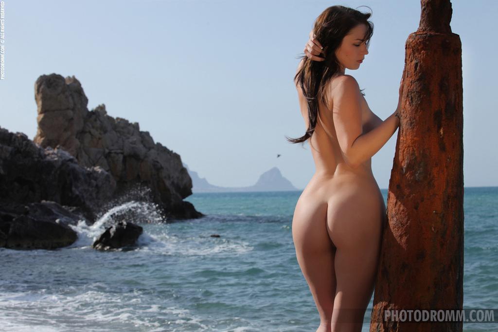 обалденные девушки фото обнажаються бикини раком