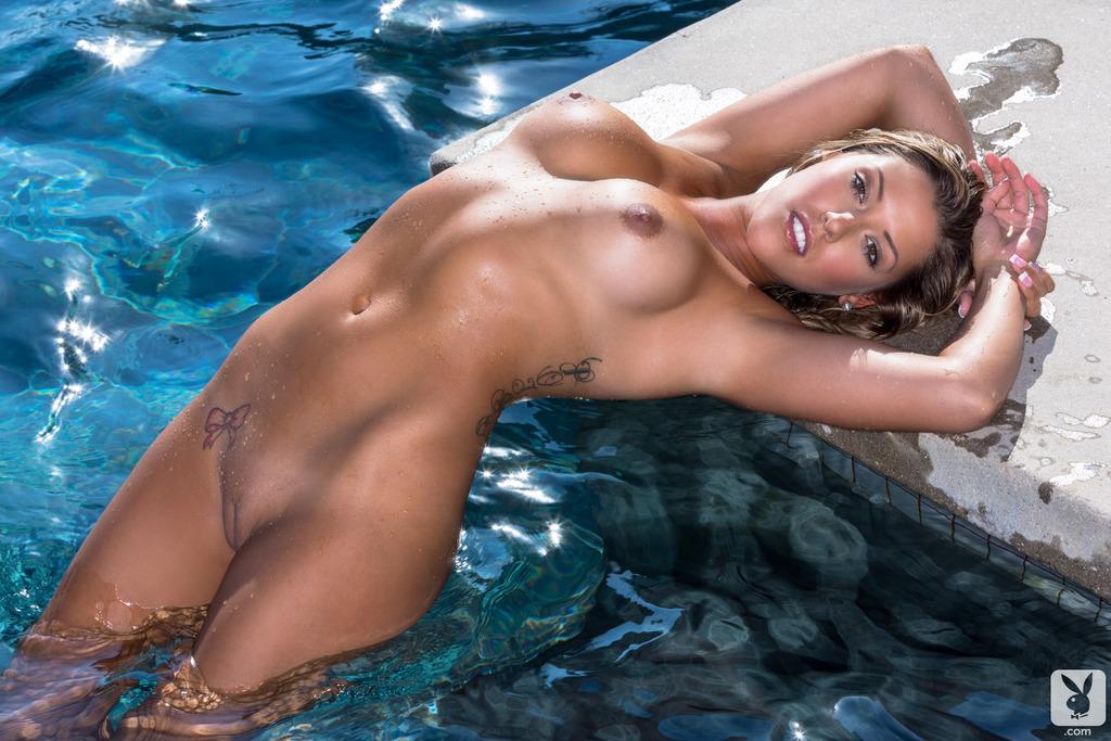голые девушки мокрые фото
